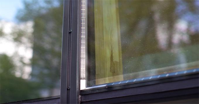 Physee solar window